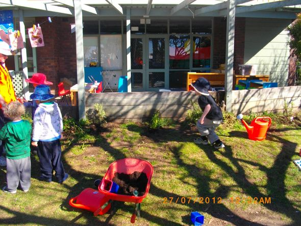 27 trees for greening Australia @ Eden Preschool NSW © Dianne McCaffery