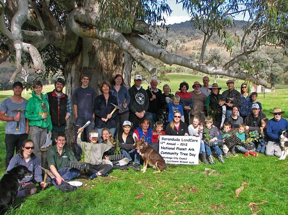 Baranduda Landcare 13th Annual Planet Ark Community Tree Day © Glen Johnson