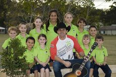 National Tree Day Ambassador Lee Kernaghan © Lucy Band