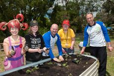 dirtgirl at the Yarra Ranges Special Development School planting © Planet Ark